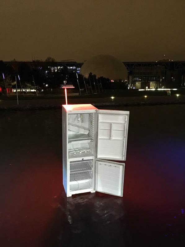 Réfrigérateur, L'eau qui dort, Michael Pinsky, canal de l'Ourcq, parc de la Villette, Paris 19e (75)