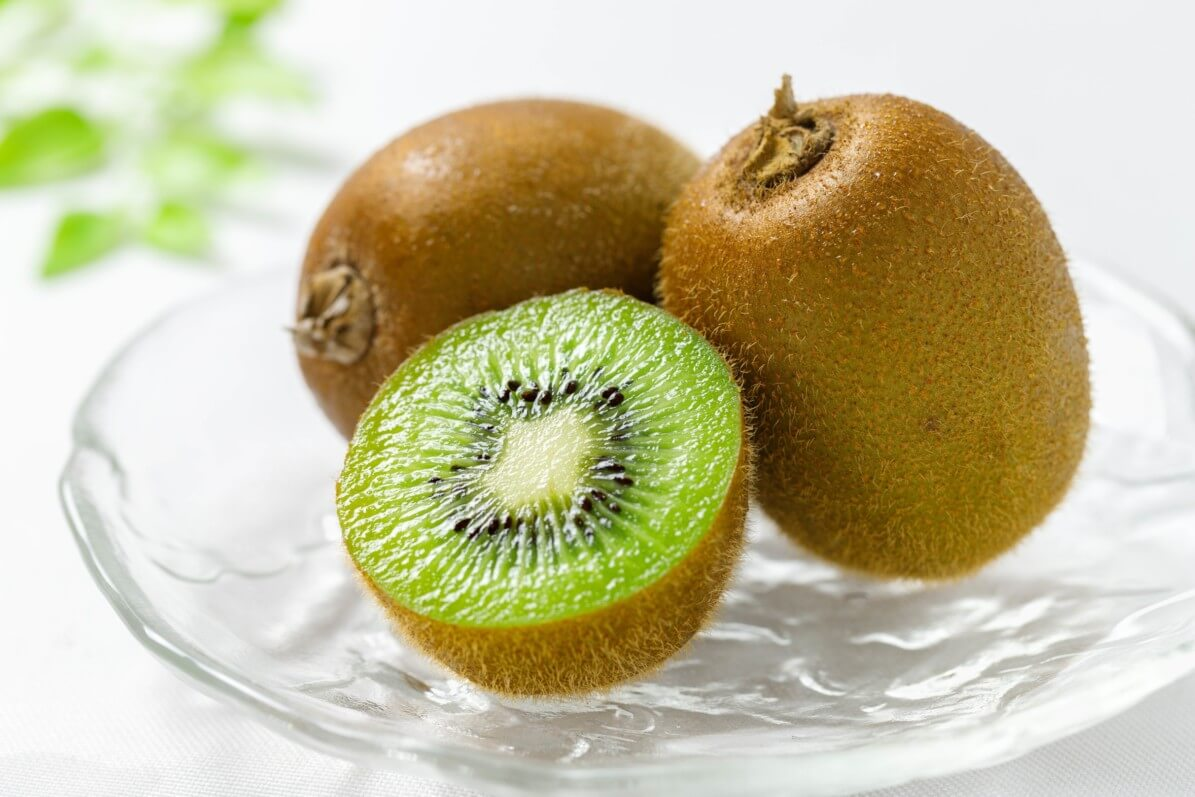 Kiwis, Actinidia chinensis, fruits, photo Fotolia / sum41