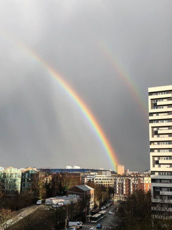 Double arc-en-ciel pendant une giboulée, Paris 19e (75)