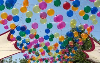 Bubble Sky par Patrícia Cunha, ballons, Cour Saint-Émilion, Paris 12e (75)