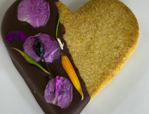 Coeurs fleuris en biscuit sablé sans gluten