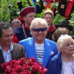 Michou, Perrette Souplex et Jean-Paul Reynoird au baptême de la rose République de Montmartre, Clos Montmartre, Paris 18e (75)