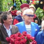 Michou et Jean-Paul Reynoird au baptême de la rose République de Montmartre, Clos Montmartre, Paris 18e (75)