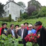 Baptême de la rose République de Montmartre avec Michou en compagnie de Daniel Vaillant, Jean-Marc Tarrit, Jean-Paul Reynoird, Clos Montmartre, Paris 18e (75)